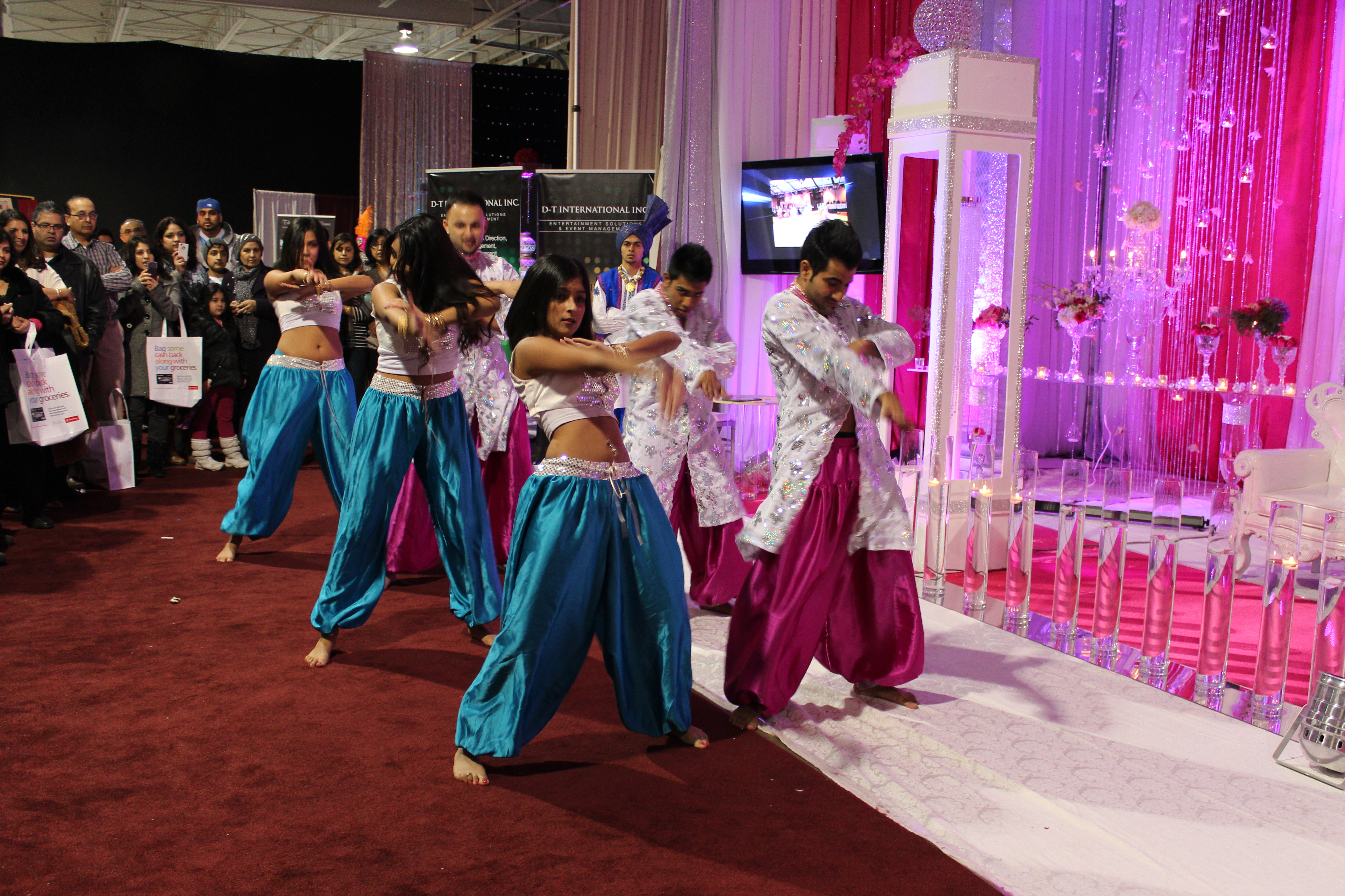 Wedding show shaza 39 s scrapbook for Wedding expo az